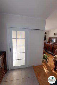 Jesion na kolor biały kryjący, szyba bezpieczna ze szprosami, system przesuwny zabudowany. Furniture, Home Decor, Decoration Home, Room Decor, Home Furnishings, Home Interior Design, Home Decoration, Interior Design, Arredamento
