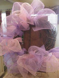 tutorial on making a mesh wreath