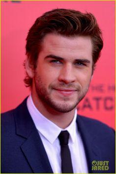 "Celeb Diary: Liam Hemsworth & Sam Claflin la premiera ""The Hunger Games: Catching Fire"" in New York"