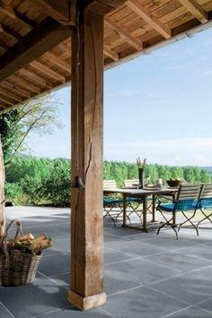 super mooie keramische buitentegels vanuit een veranda doorleggen op een terras!! kijk voor mooie buitentegels bij Bebo Tegels!! goed en goedkoop!