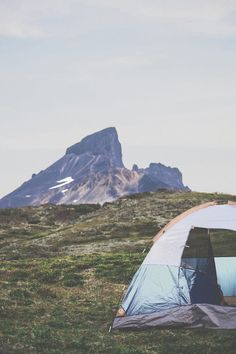 Camping Tips And Tricks For Great Outdoor Excursions. Camping is a delight to many! It is a wonderful pastime that can bring families and friends closer to nature and each other. Camping allows everyone on the Adventure Awaits, Adventure Travel, Nature Adventure, Pale Tumblr, Camping Sauvage, In Natura, Go Camping, Camping Ideas, Camping Hacks