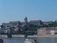Palacio real Paris Skyline, Taj Mahal, Louvre, Building, Travel, Voyage, Viajes, Buildings, Destinations