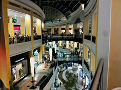 Centro Comercial Colombo - Souvenirs are no longer a problem Business Travel, Shopping Mall, Mansions, Luxury, House Styles, Places, Home, Lisbon Portugal, Tela