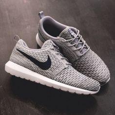 Nike Flyknit Roshe Run: Light Charcoal