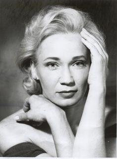 Magyar Fotóarchívum HD: Sajtófotó Classic Actresses, Actors & Actresses, Foto Portrait, Famous Portraits, Celebrity Gallery, Iconic Women, Celebs, Celebrities, Vintage Photos
