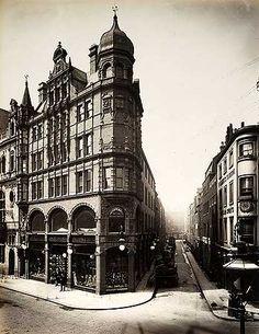 Corner of Shaftesbury Avenue and Denman Street. London Street Photography, Bethnal Green, Piccadilly Circus, Trafalgar Square, Old Street, London Bridge, Old London, London Photos, Westminster