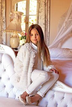 New collection Miss Blumarine - Children's fashion - Shopping - Page 3 - Charhada . Tween Fashion, Little Girl Fashion, Toddler Fashion, Fashion Outfits, Little Fashionista, Stylish Kids, Mannequins, Kids Wear, Baby Dress