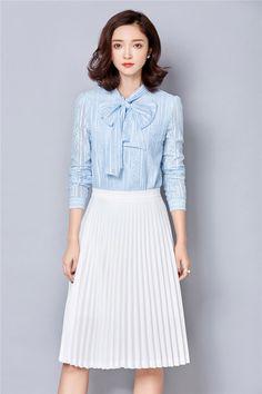 Front sky blue lace shirt vintage
