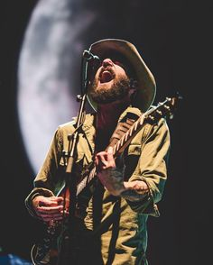 Ray LaMontagne is stopping through Berkeley tomorrow night and hitting Greek Theater! be there or be square, but Hey, No Pressure! #ouroborostour