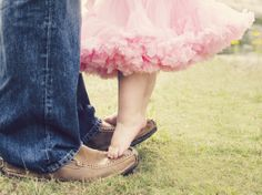 Daddy and daughter photography.  One year old girl with tutu.  imagesbyjleeallen.com
