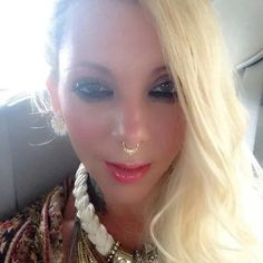 .  Ms. @Itmmariabrink said that Ms. Maria had a nose ring, and YEP!!  She was correct.  Learn more later in this board.