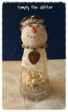Best Salt shakers ideas on Snowman Decorations, Snowman Crafts, Holiday Crafts, Holiday Fun, Christmas Decorations, Ornament Crafts, Handmade Ornaments, All Things Christmas, Vintage Christmas