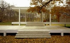 The Farnsworth House by architect Ludwig Mies van der Rohe was built in Springfield, Illinois, United States in Farnsworth House, Bauhaus, Uses Of Glass, Illinois, Glass Building, Mid Century Modern Lighting, Ludwig Mies Van Der Rohe, Interior Architecture, Architecture Images