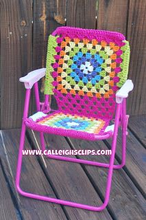 Now this is a fun and resourceful way to show off your yarncrafting! Folding Lawn Chair Crochet-Over - with how to photos. {Calleigh's Clips & Crochet Creations}
