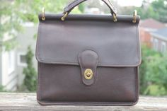 Vtg. Womens Leather Coach Willis Bag  missing shoulder by Taite