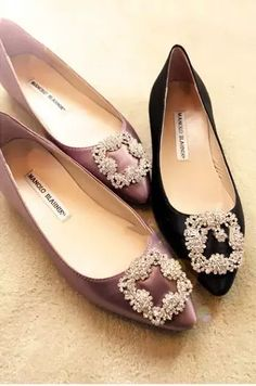 1c5d67457 Hot Brand Fashion Stunning Women Satin Jeweled Flats Classical Rhinestone  Detail Wedding Shoes Multicolors SH12163 Sapatos