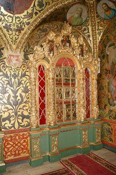 El detalle de la gran sala del palacio del Terem, el Kremlin, Moscú, ca 1635. En el siglo 17, el palacio era una casa de las hermanas y esposas de los grandes príncipes de Moscú y zares de Rusia. Hoy en día el palacio del Terem es la residencia oficial del Presidente de la Federación de Rusia.