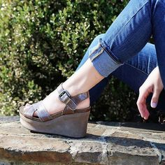 27f8bbee6ce0 New OTBT Women s Sandals Bee Cave in Pewter