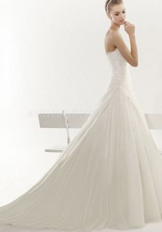 Strapless Floor Length Organza A line Sleeveless Zipper Back Wedding Dresses