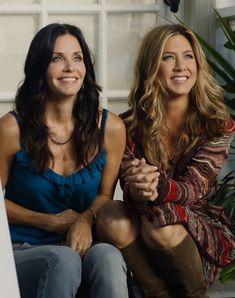 Courtney Cox & Jennifer Aniston ♡ Serie Friends, Friends Cast, Friends Episodes, Friends Moments, Friends Tv Show, Friends Scenes, Funny Friends, Jennifer Aniston, Courtney Cox
