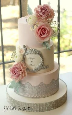 Silver Lace Cake by Sihirli Pastane - http://cakesdecor.com/cakes/274099-silver-lace-cake