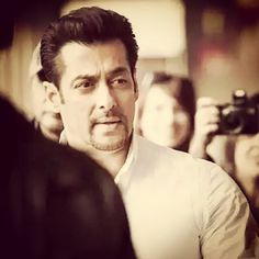#salmankhan Salman Khan Photo, Shahrukh Khan, Salman Khan Wallpapers, King Of Hearts, Special Girl, Bollywood Actors, Dream Guy, Celebs, Celebrities