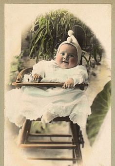 Free Vintage Clip Art - Old Pictures - Funny Babies - The Graphics Fairy