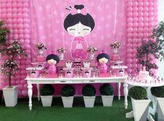 Festa Kokeshi                                                                                                                                                                                 Mais Baby Shower Deco, Baby Shower Themes, Japanese Birthday, Asian Party, Doll Party, Tea Party Birthday, Asian Decor, Fiesta Party, Kokeshi Dolls