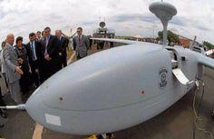 Os dois veículos aéreos não tripulados (Vants) da Polícia Federal estão empoeirados na base de São Miguel do Iguaçu (PR) e não voam desde janeiro de 2016. Denúncia do Sindicato dos Policiais Federais  ...