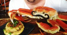 Découvrez cette recette de CrabCake-O-Max pour 4 personnes, vous adorerez! Salmon Burgers, Cake, Breakfast, Ethnic Recipes, Cilantro, Drizzle Cake, Flat Cakes, Crab Meat, Seafood
