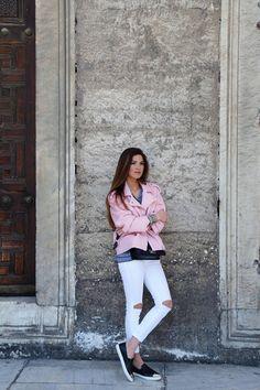 Tourist in Istanbul | Negin Mirsalehi
