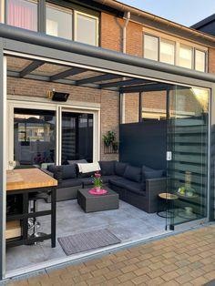 Backyard Garden Design, Modern Backyard, Balcony Design, Backyard Patio, Garden Room Extensions, Outdoor Patio Designs, Outdoor Rooms, Outdoor Decor, Garden Spaces