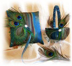 Peacock Feather Wedding Pillow Basket - Teal Royal Blue Brown Flower Girl Basket Ring Pillow - Weddings Ceremony Decor Keywords: #weddings #jevelweddingplanning Follow Us: www.jevelweddingplanning.com  www.facebook.com/jevelweddingplanning/