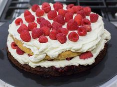 Raspberry Dulce de Leche Chocolate Cake or Torta Mixta in Chile is a delicious, traditional recipe. Thousand Layer Cake, Chilean Recipes, Chilean Food, Puff Pastry Dough, Cake Flour, Cake Mold, Oven Baked, Yummy Cakes, Chocolate Cake