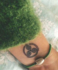 17 Best ideas about Triskele Tattoo on Boho Tattoos, Anklet Tattoos, Star Tattoos, Trendy Tattoos, Body Art Tattoos, New Tattoos, Tattoo Stars, Irish Tattoos, Tattoos Skull
