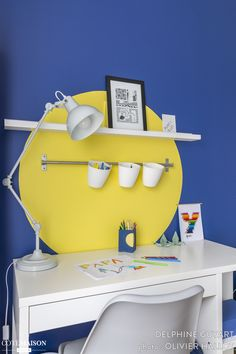 Room for a boy who likes to draw blue and yellow Kids Room Design, Baby Design, Hot Tub Room, Ikea Pictures, Cool Office Space, Office Spaces, Shared Rooms, Buffet, Interior Garden