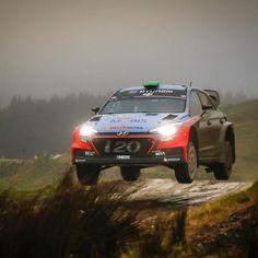 i20 WRC is driving forward, cleaving through the rain - 유독 비가 많이 내리는 영국 랠리빗길 가르며 달리는 i20 WRC - #rainyday #rain #slippery #cleave #throughtheroad #noteasy #hardship #neverstop #graval #run #race #carwithoutlimits #i20WRC #Wales #United_Kingdom #Rally #motorsport #WRC #Hyundai