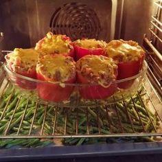 Jeg er blevet helt vild med bønner i ovnen, også kaldet bønnefritter, som er lavet som pomfritter! Det er sindsygt lækkert og smager faktisk som pomfritter, men det er sundt.Hele idéen med bønnefritter er ikke min egen, men får her den opskrift