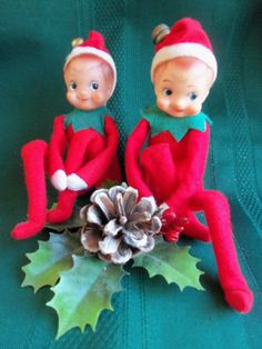 VINTAGE PAIR ELF/PIXIE RED FELT OUTFIT&PUG NOSE KNEE HUGGER CHRISTMAS ORNAMENT