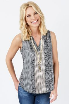 a contemporary retail brand that specializes in styling moms Boho Fashion, Fashion Outfits, Womens Fashion, Us Online Clothing Stores, Big Girl Clothes, Cruise Fashion, Weekend Wear, Fashion Advice, Fashion Ideas