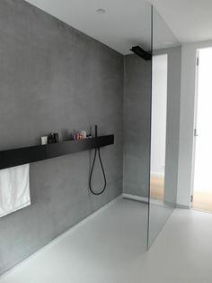 Badezimmerboden und Wände
