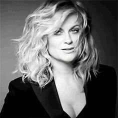 Amy Poehler, black white photo, wavy hair
