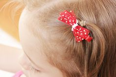 These Wee Little Hair Clips are so super easy to make and are the perfect stocking stuffer!