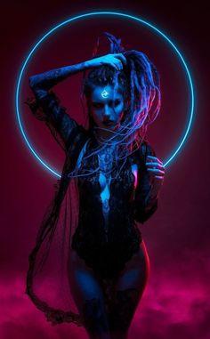 Neon Witch, by Aku 悪 : Cyberpunk Cyberpunk Kunst, Cyberpunk Girl, Cyberpunk 2077, Low Key Fotografie, Photographie Art Corps, Character Inspiration, Character Art, Character Concept, Neon Girl