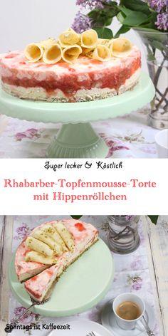 Dieses Rhabarber-Topfenmousse-Torte mit Hippenröllchen Rezept ist genau so, wie ich es von früher kannte! Es ist das perfekte zarte und cremige Kuchenrezept mit frischem Rhabarber, fruchtigen Belag und einem fantastischen und aromatischer Pistazien-Biskuitboden. Sie ist absolut herrlich bei einer Tasse Kaffee, Kakao oder Tee! #rhabarberkuchen #rhabarbertorte #rhabarberrezepte #einfach #leicht #fruchtig #deutsch #rezepte