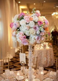Centerpiece. Trump Palos Verdes wedding: classic and beautiful Los Angeles wedding florals by Flower Allie » Flower Allie – Orange County Wedding Florist and Delivery for all Occasions