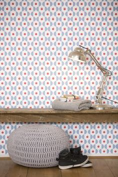 Prachtig retro behang voor een accentmuur in de kinderkamer, woonkamer of studeerkamer. Dutch design van TiS Lifestyle! Geplaatst door msinjan.