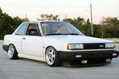 Nissan Sentra B12 low stance jdm