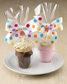 I like the dipped cone idea!- Freeze enough cupcakes so that on my student's birthday, I just decorate the cupcake, the night before! Every child gets a cupcake on his or her birthday! Cupcakes For Sale, Cute Cupcakes, Ice Cream Cupcakes, Cupcake Cones, Cupcake Favors, Cupcake Packaging, Party Favors, Bake Sale Packaging, Cupcake Party