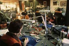 Fototoestellen, camera's. Reparatieafdeling van Canon, Nederland 1980-1995.